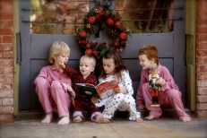 These are NOT my kids...but it's a cute photo!