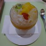 茶語 - マンゴージュレと杏仁のパフェ