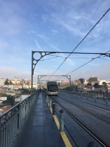 ドンルイス橋上列車