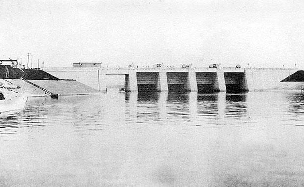 荒川放水路岩淵水門