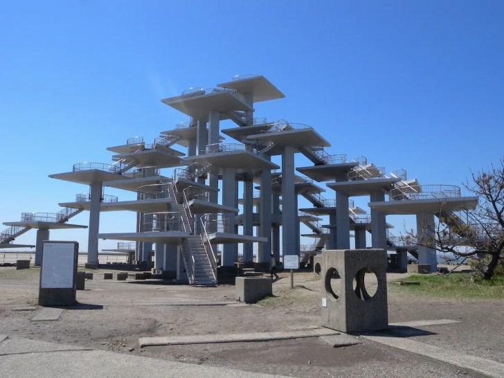 富津岬先端の「明治百年記念展望塔」