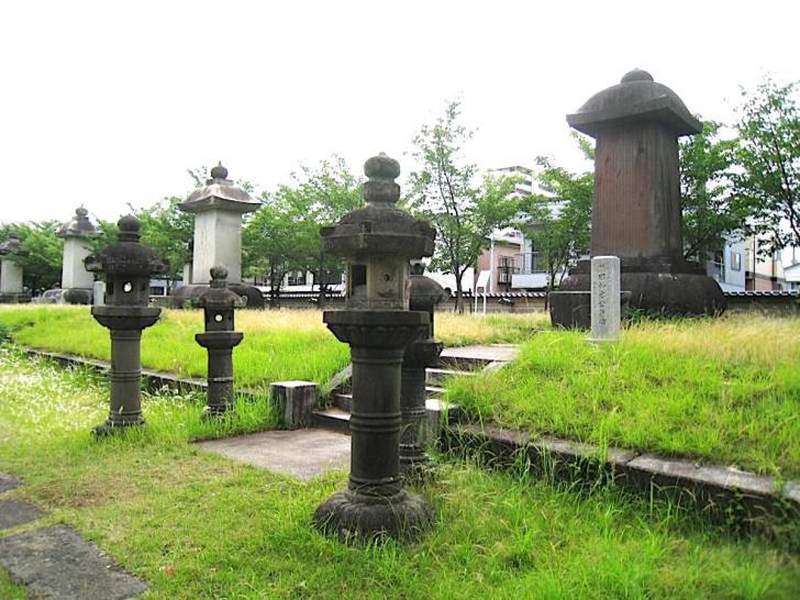 崇福寺・福岡藩主黒田家墓所