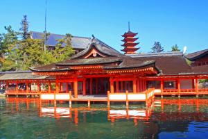 厳島神社・客神社