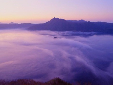 朝夕ならこんなに幻想的な摩周湖が!