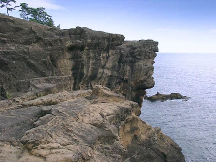 ヤセの断崖