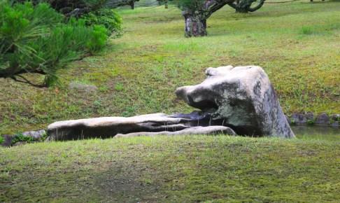栗林公園・見返り獅子