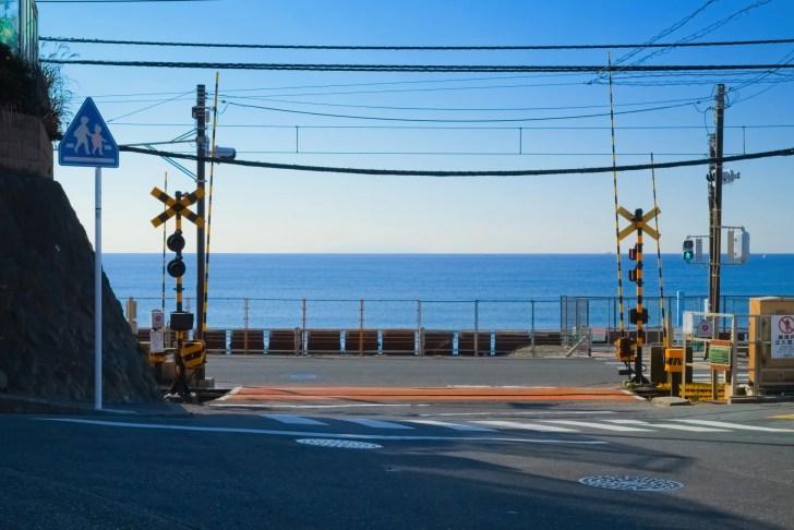 鎌倉高校前1号踏切(『スラムダンク』の踏切)