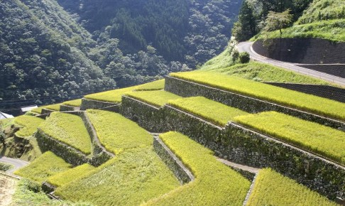 石垣の村・戸川