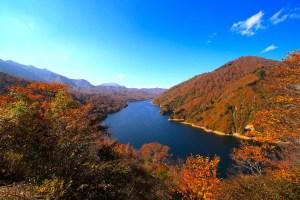 奥只見湖(銀山湖)