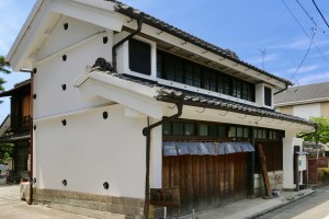 旧小川忠次郎商店(忠次郎蔵)