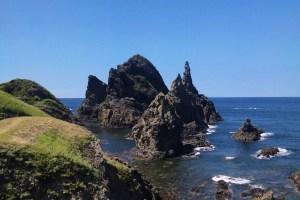観音岩(ローソク岩)/国賀海岸の天上界