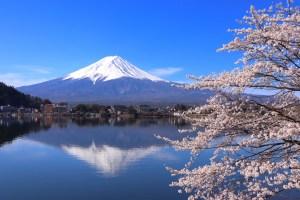河口湖・産屋ヶ崎