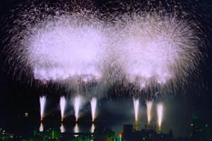 【冬季】忘年熱海海上花火大会