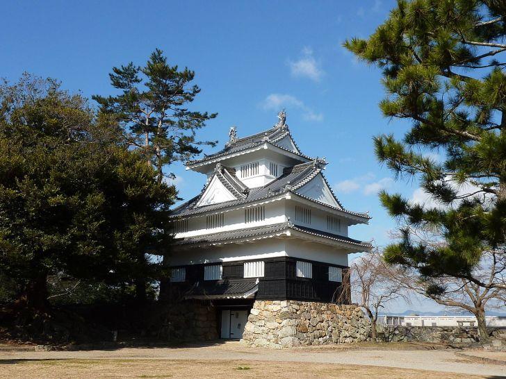 吉田城の模擬天守