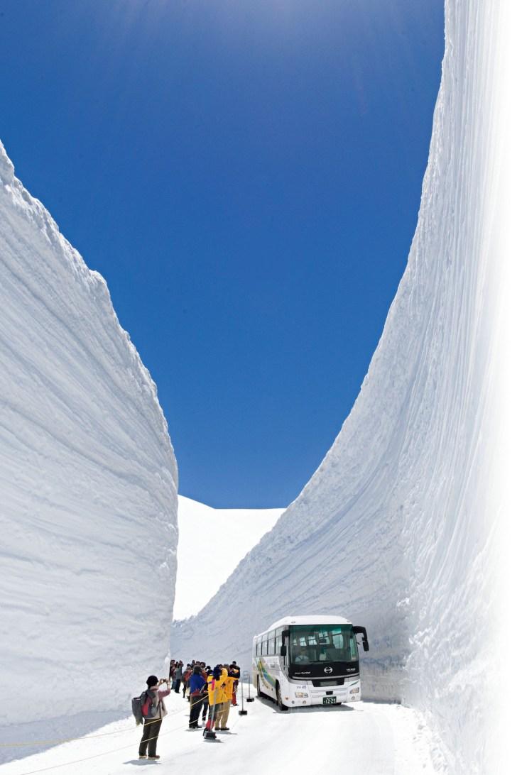雪の大谷/立山・室堂