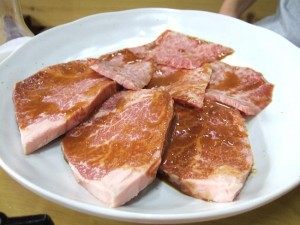 焼肉ニュージャパン ヘレ肉とカルビ