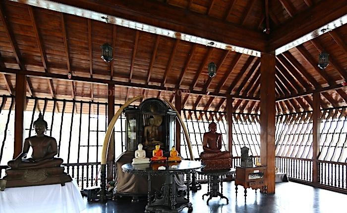 シーママラカヤ寺院の内観画像