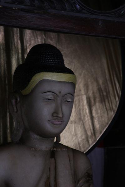 シーママラカヤ寺院の仏像画像