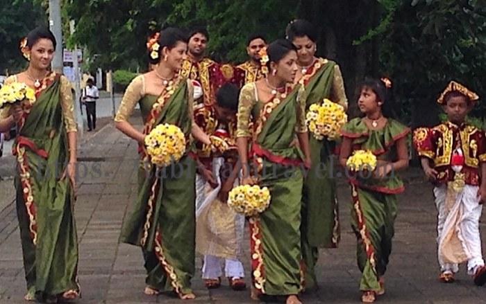 シーママラカヤ寺院での結婚式画像