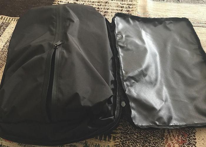 圧縮バッグのシークレットポケットの画像
