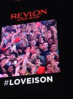 REVLON camera @ タイムズスクエア