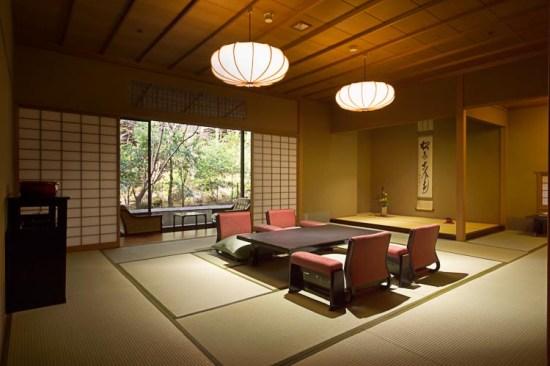 20140801-76-4-yugawaraonsen