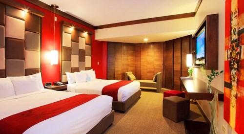 20140821-103-8-guam-hotel