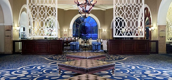 20150821-476-3-banff-hotel