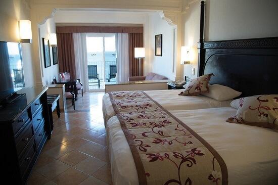 20151217-587-7-aruba-hotel