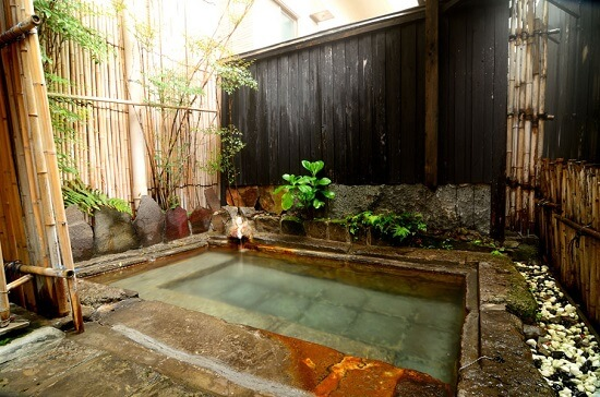 20161020-864-6-kirishimaonsen