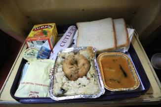 le petit déjeuner qu'on nous servi dans le train Delhi-Jaipur