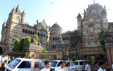 Welcome de Mumbai! Une des gares de la ville.