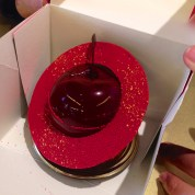 Entremets Constellation Cerise, Fauchon*パリ・フォーションのチェリーのケーキ