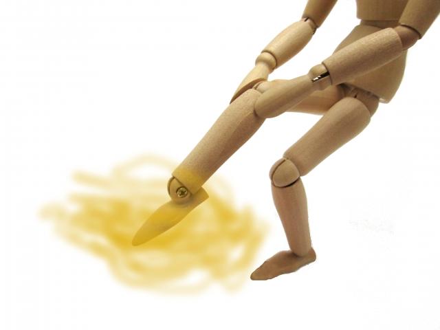 パンプスで足が臭い時の対策。職場ではどうする?においを消す方法は?