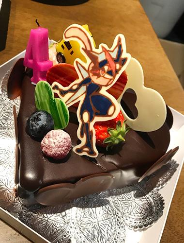 キャラチョコでポケモンケーキ!ゲッコウガの青色はコレがいい!