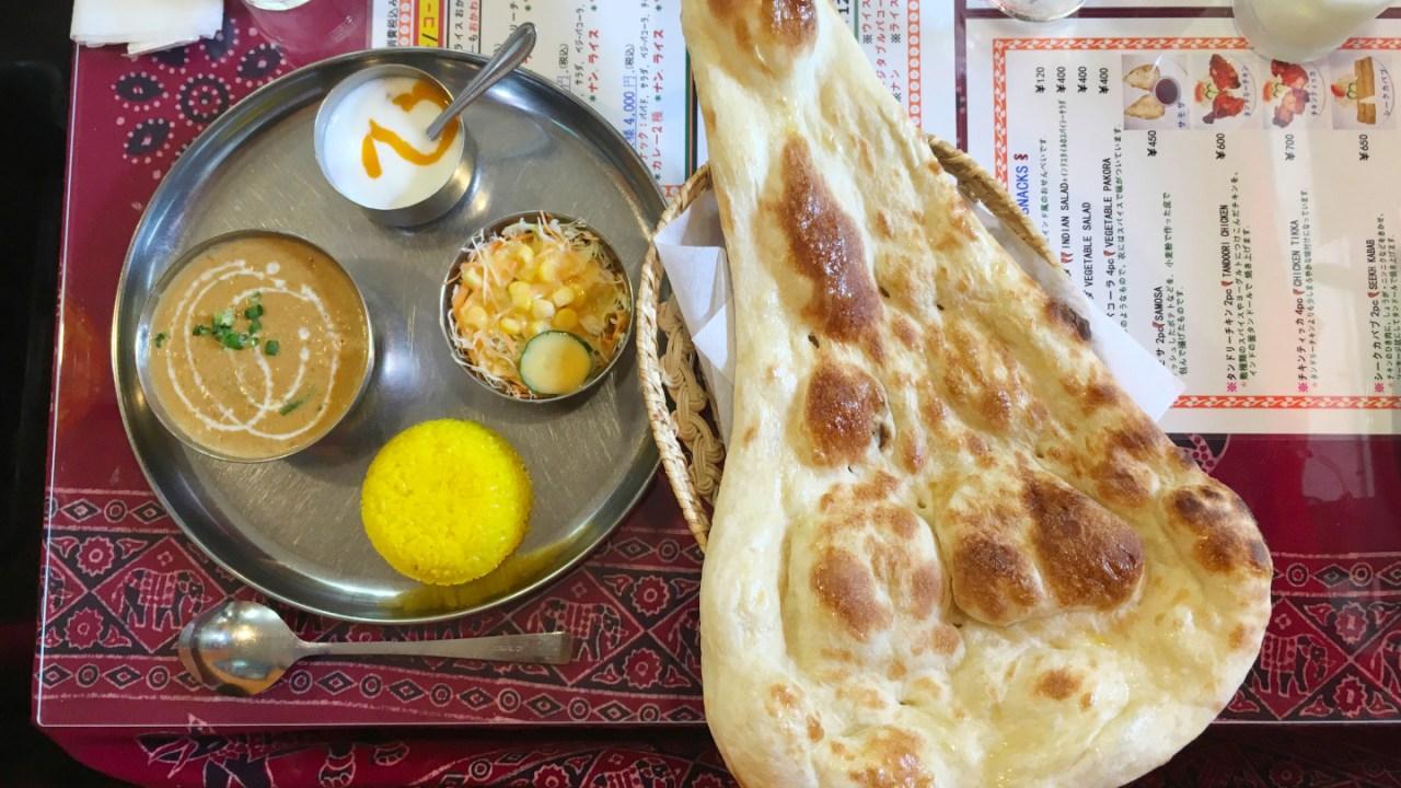 西千葉インド料理ガザルのカレーランチが大ボリューム&特大ナンで満腹~