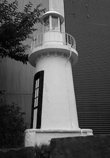 お台場跡の灯台〔模型)