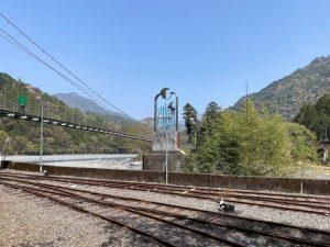 川根両国駅の近くにある両国の吊り橋