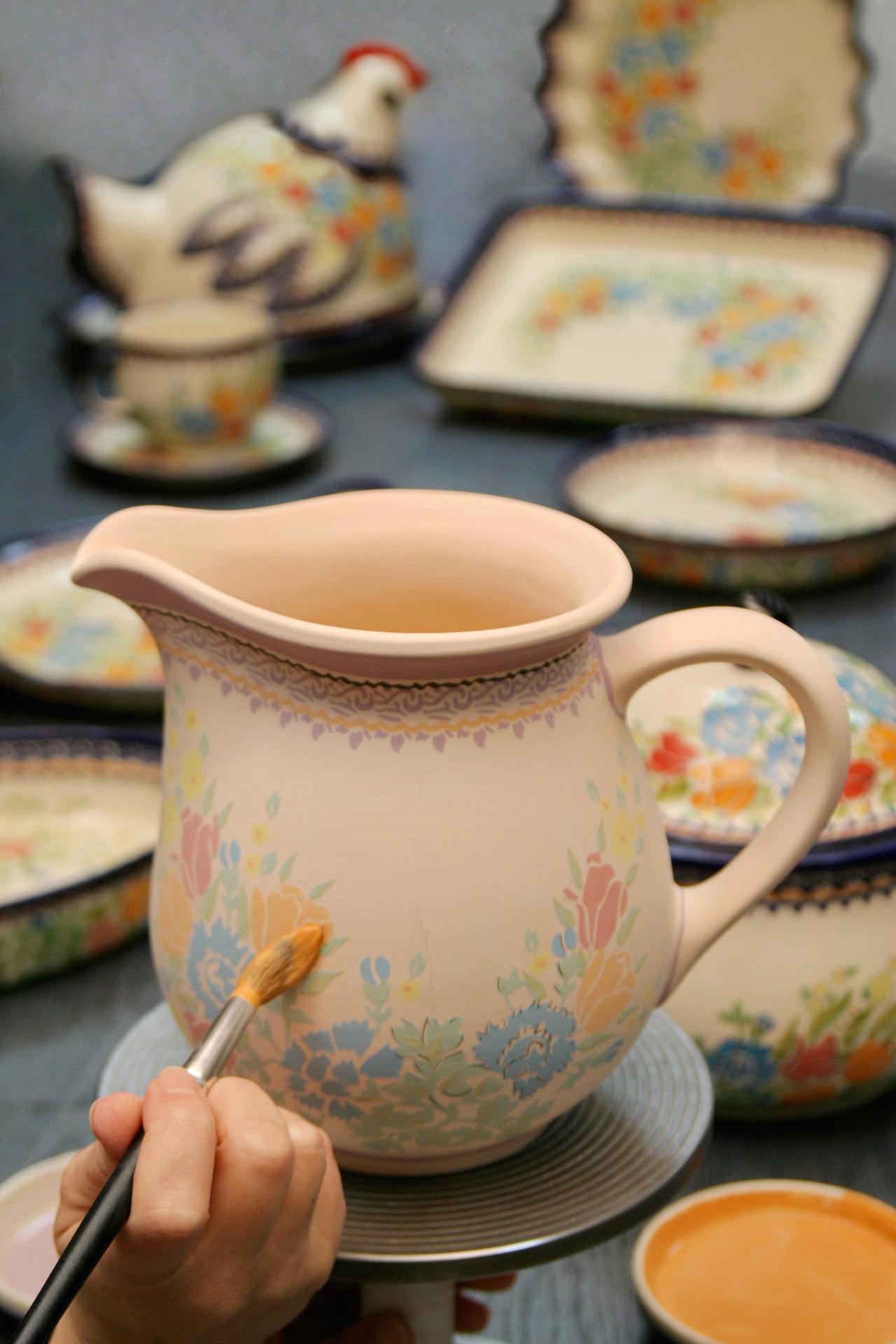 ポーランドの陶器メーカーから日本茶を楽しむティーカップ ...