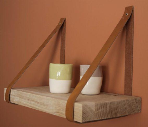 Etagère 20x40cm bords droits, chêne brut lanière en cuir naturel