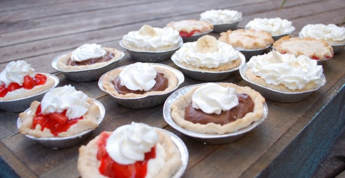 """Creative Event Catering: A """"Vintage"""" Wedding with Cheeseburger Bar and Miniature Pies"""