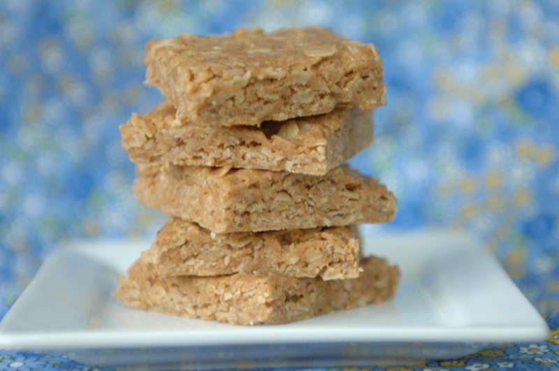 These No Bake Oatmeal and Peanut butter bars are sweetened with Honey.  Its quick and nutritious.