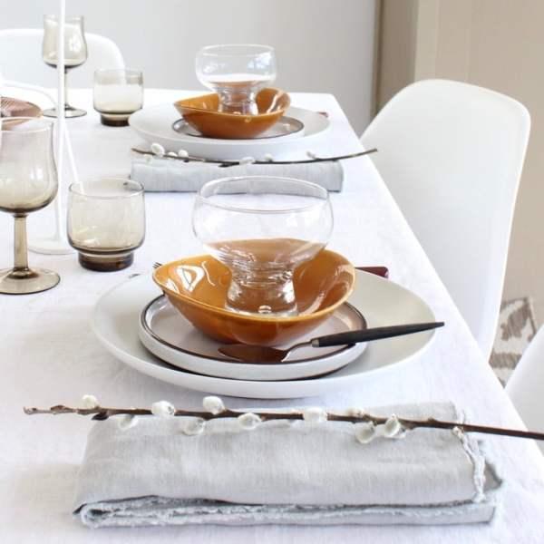 gedekte tafel met vintage mix