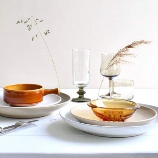 tafelstyling met vintage servies