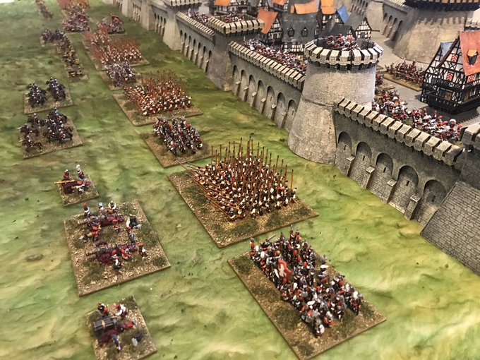 10mm Fantasy army Defending a Castle