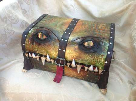 monster-luggage-01
