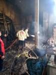 Pabrik Triplek di Lawang Terbakar