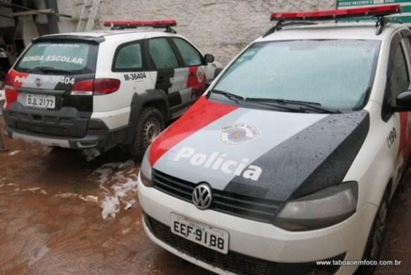 Alagamento em Taboão da Serra atingiu até viaturas da Polícia Militar.