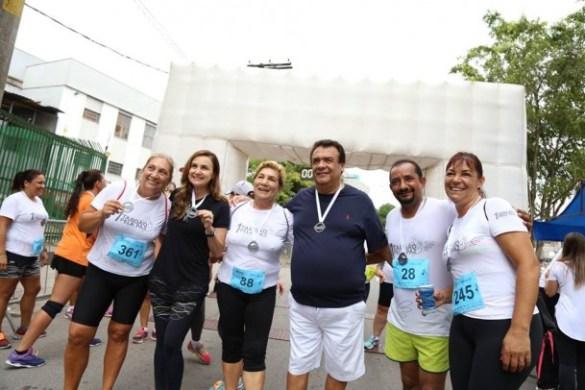 Analice e Fernando Fernandes prestigia Cido e atletas da Corrida e Caminhada Taboão Pela Paz.