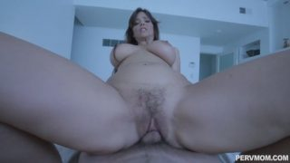 PervMom Syren De Mer – I Cant Let Her Sleep Alone